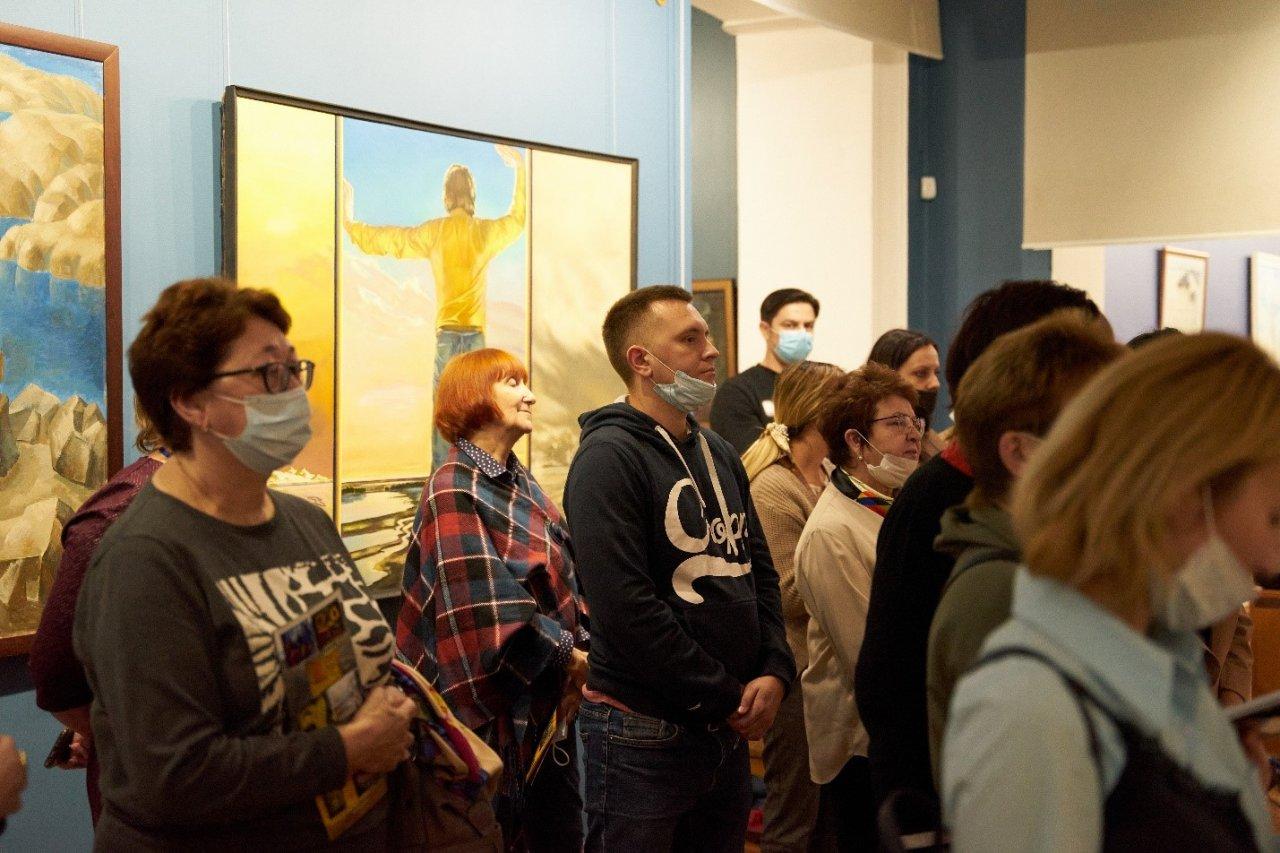 Собрание Астраханской картинной галереи пополнилось картинами советского периода