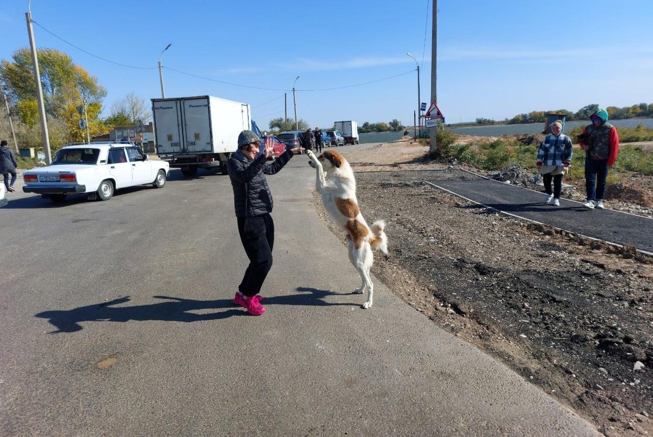 Французскую ведущую расстроила экологическая обстановка в Астрахани