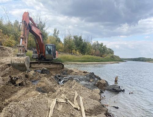 В Харабалинском районе почву загрязнили нефтепродуктами на 110 млн рублей